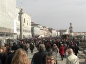 14-Menschenmassen am San Marco (Medium)