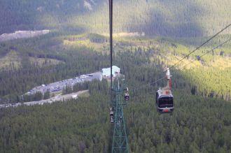 21 - Sulphur Mountain - gondola