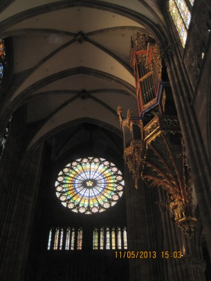 14 - Münster - Orgel u. Fenster