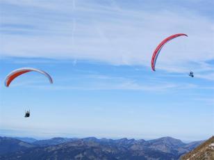 2 Paraglider.