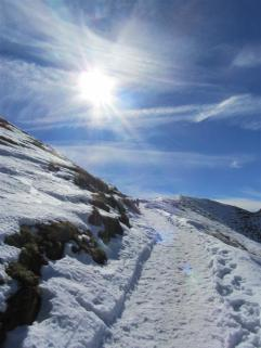 ... durch Schnee ...