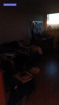 Hat nicht jeder ein Chaoszimmer?! Da es schon recht dunkel ist, kann ich es ja mal fotografieren und zeigen. ;o)