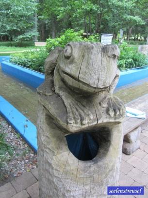 Auch mein Froschkönig ist noch da. Hat ihn wohl immer noch nicht die Richtige geküsst.
